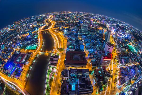 Giá văn phòng cho thuê tại TP Hồ Chí Minh tăng và giá đất ngoài Hà Nội cũng tăng và việc thu hồi các dự án vi phạm.
